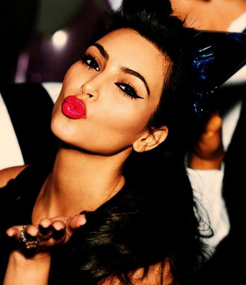 Kiss Makeup Looks: STEVIENIKKIMAN